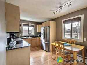 STUNNING  2 BDRM TOP FLOOR CONDO IN POPULAR CATHEDRAL VILLAGE!