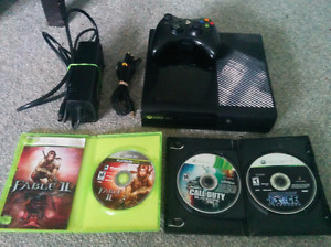 Xbox 360, 3 Games and Controller