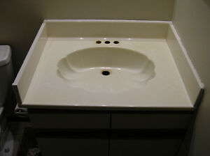 Marble bath. vanity top wi. sink back/side splashes