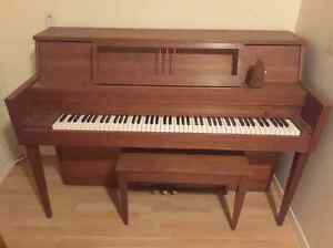 Hientzmen Teak upright piano