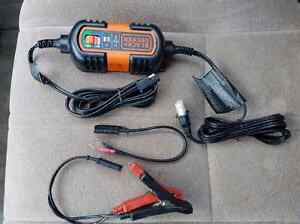 Black & Decker  6 - 12v trickle charger maintainer Windsor Region Ontario image 1