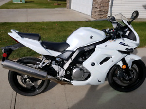 VERY CLEAN 2010 SV650S - ONE OF A KIND!