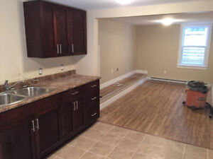 Cozy 2-Bedroom Apartment on Quinpool - Heat + Lights Included!