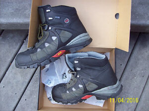 Size 13 Extra Wide Timberland Work Boots Stratford Kitchener Area image 1