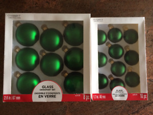 CHRISTMAS BRAND NEW GREEN GLASS ORNAMENTS 2 SIZES