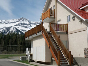 Furnished 1-Bedroom Townhouse Now Available - Fernie, Riverside