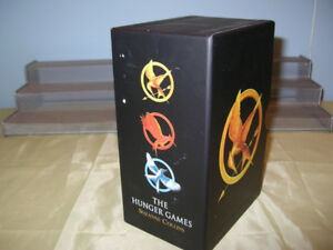 The Hunger Games Suzanne Collins 3 books set - $ 10