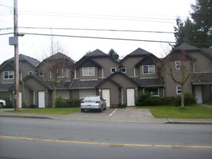 Campbell River BC townhouse with private driveway