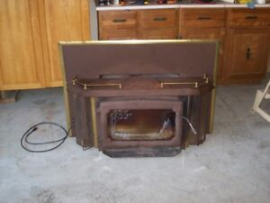 Fireplace insert for wood stove