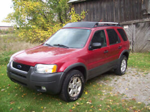2004 Ford Escape (155k) CLEAN TRUCK...