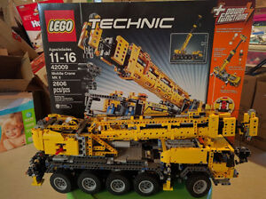 Lego 42009 Mobile crane MKII used with box and complete