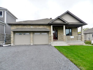 FOR RENT! Immaculate!  Bungalow In Executive Neighbourhood Kingston Kingston Area image 1