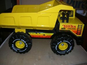 Vintage Tonka Dump Truck XMB 975