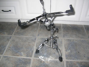 NEW PEARL SNARE DRUM STAND