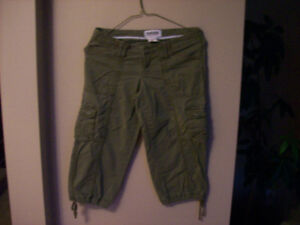 Garage Capris With Pockets Great Condition