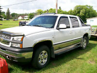 2005 Chevrolet Avalanche Pickup Truck MAY TRADE FORD SPORTRAC