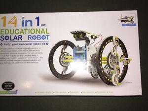 Solar Robot 14 in 1 - bnib