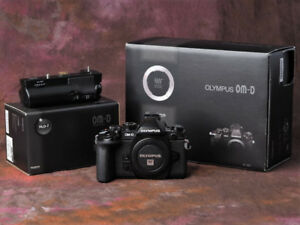 Olympus OM-D E-M1 mk1 body and accessories