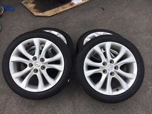 4 supe beau mags de Mazda 3 2012 17'' avec pneus d'été