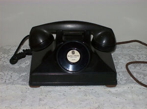 Antique wooden telephone Kingston Kingston Area image 3