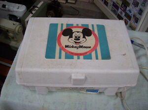 MICKEY MOUSE PORTABLE RECORD PLAYER