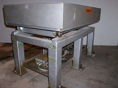 2200 Lb. Altek Model 10.45.5 Hydraulic Scissor Lift
