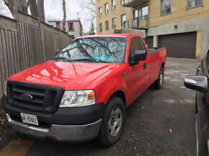 2005 Ford E-150 Pickup Truck XL