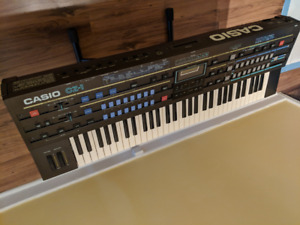 Vintage 1986 CASIO CZ-1 -- 16-voice Phase Distortion Synthesizer