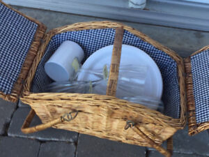 WICKER PICNIC BASKET & PLASTIC DISHES *never used*
