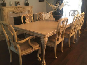 Dining Chippendale Style Ball Claw Table 8 Chairs Hutch Buffet