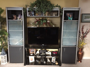 Samsung Smart TV C/W entertainment unit and Glass TV stand