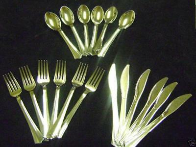 Coloured Plastic Spoons (NEW 18 PIECES SILVER COLOURED PLASTIC CUTLERY MIXED SPOONS FORKS &)