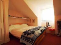 Lovely beautiful doubleroom available to rent in Hendon near Middlesex University ALL BILLS included