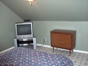 Furnished large clean rooms 15 minutes from saint john