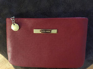 Beautiful Red and Gold Ivanka Clutch