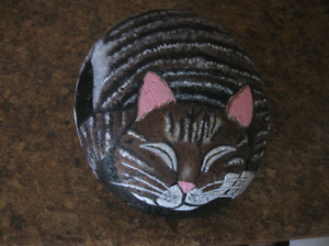 "PROFESSIONALLY PAINTED ROCK-ART ""CAT"" DOOR STOP"