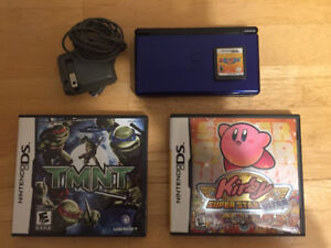 Nintendo DS lite w/ MarioParty 8, TMNT and Kirby Superstar Ultra
