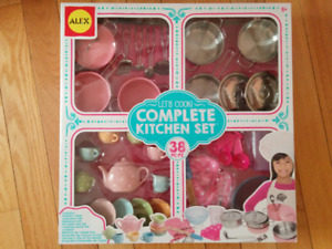 NEW: ALEX Toys-Pretend & Play 38pcs Complete Kitchen Set