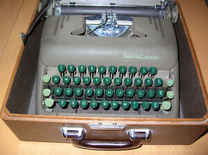 Vintage Smith  Corona Silent Portable Typewriter with Case Maroo