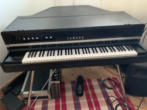YAMAHA CP70 - MINT CONDITION $3000 obo