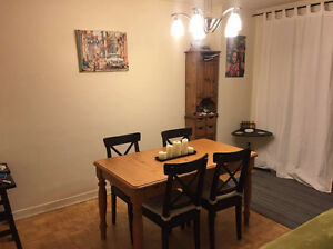 Large Cozy 2 Bedroom Condo - Downtown Montreal
