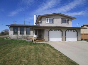 Beautiful 4 level Split Home for Rent in Clyde - DETAILS UPDATED