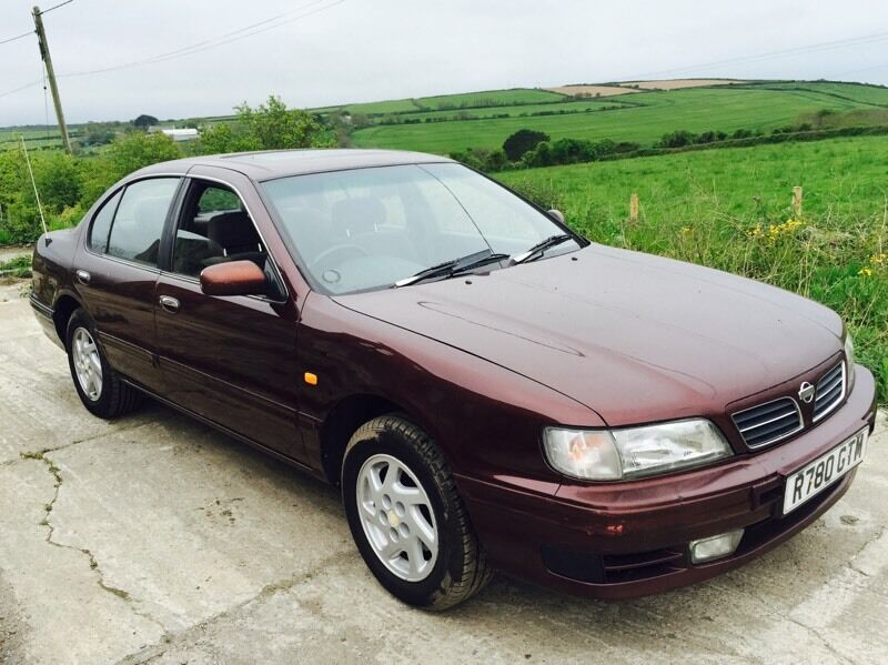 nissan maxima qx 2 0 v6 24v se automatic red 1998 in newquay cornwall gumtree. Black Bedroom Furniture Sets. Home Design Ideas
