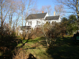 Century 4 bedroom home 10 mins. Wolfville and Hwy.101.