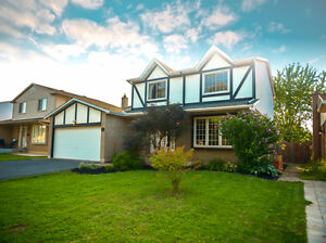 Move In Ready 3 Bed, 3 Bath Home in Stoney Creek!
