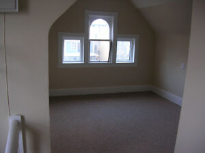 Cute and Cozy  attic suite in desirable Mission