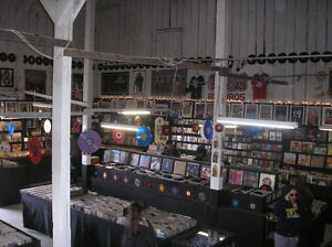 CASEY'S RECORDS  Selling & Buying Vinyl