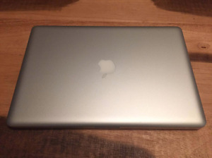 """MacBook Pro 15"""" (Early 2011) in Perfect Condition"""