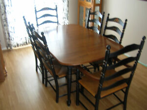 MAPLE DINING TABLE SET