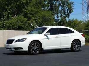 2012 Chrysler 200 S  LOW Kms